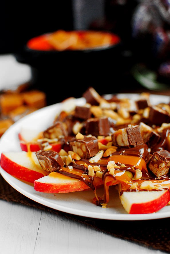 Apple Snicker Nachos