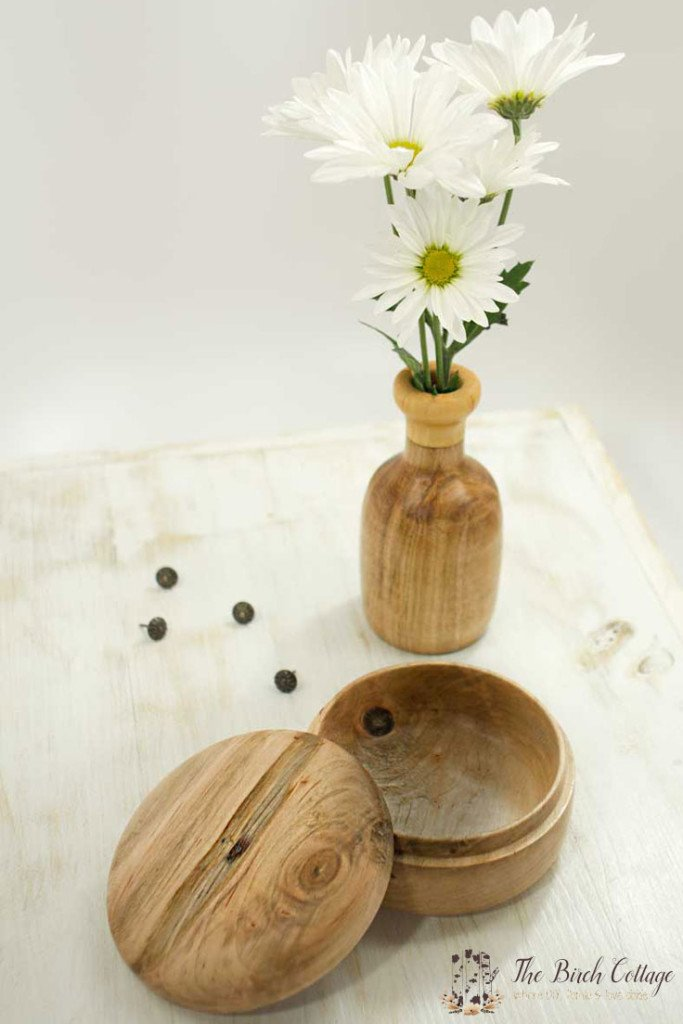 Lenny made some beautiful wood bowls on The Birch Cottage