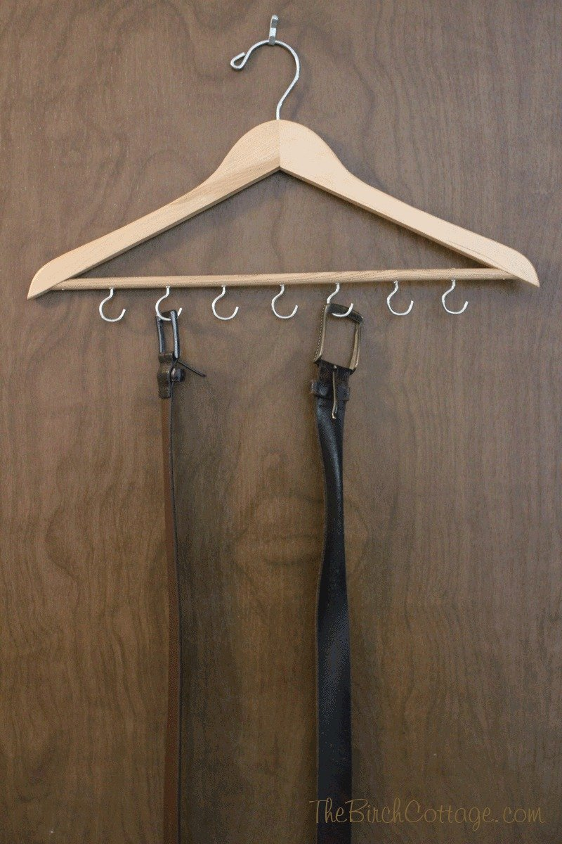 Give Dad a handmade gift with this DIY Belt Rack - perfect for Father's Day gift giving!