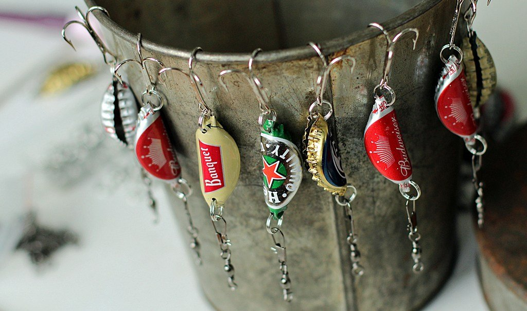 These bottle cap fishing lures make the perfect handmade Father's Day gift idea.