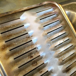 How to Clean a Broiler Pan the Easy Way