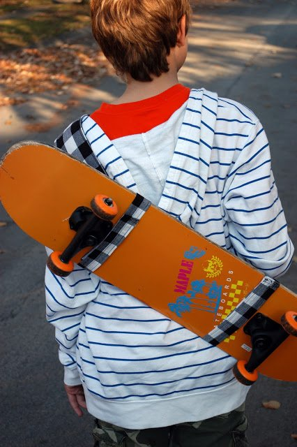 Skateboard Sling - Handmade Gift Ideas for Teens from The Birch Cottage