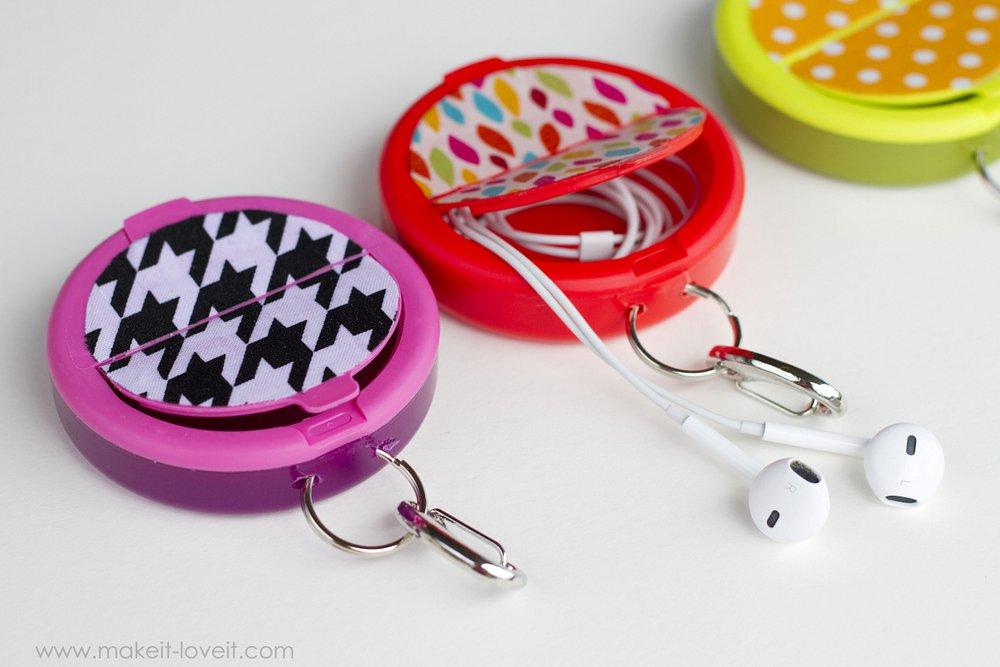 Earphone Holder from Empty Mint Containers - Handmade Gift Ideas for Teens by The Birch Cottage